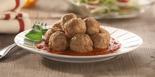 Plated meatballs without pasta